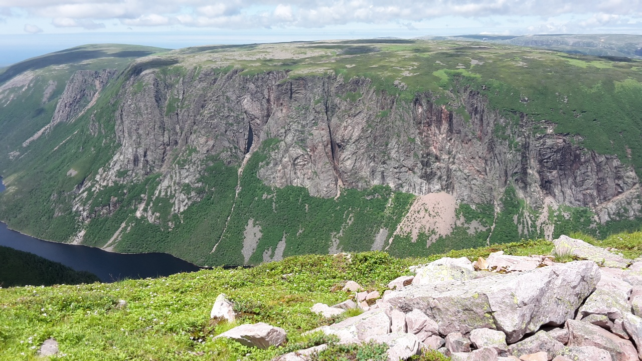Newfoundland bicycle tour Gros Morne Mountain