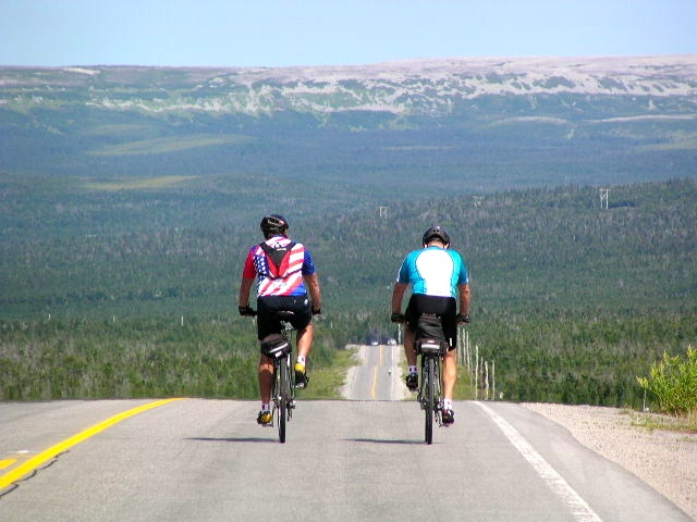 newfoundland bike tour cyclists